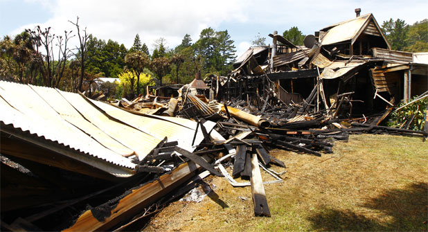 Whangamata luxury lodge fire