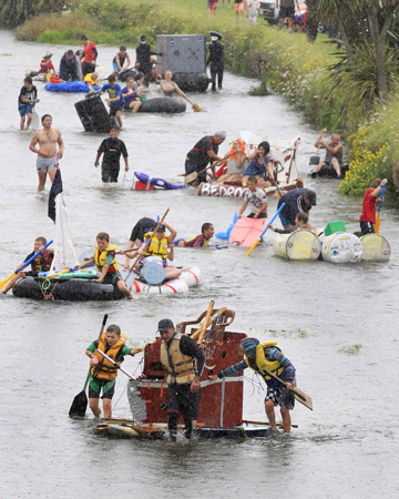 More FM raft race