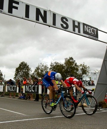 Avanti rider Brenton Jones, left, pips Wouter Wippert of Drapac