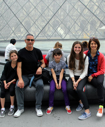 Mt Victoria's McDougall-Leuthart family at Paris' Louvre gallery