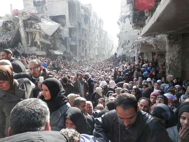 al-Yarmouk food queue