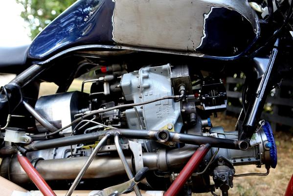 Chris Minnee's helicopter turbine-powered motorcycle.