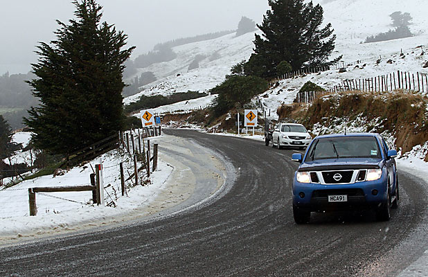 Snow on Akaroa road