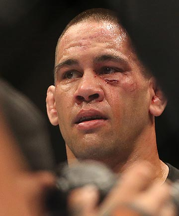 BEATEN: NZ fighter James Te Huna looks on after suffering a first round loss in the UFC main event at Vector Arena in Auckland tonight.
