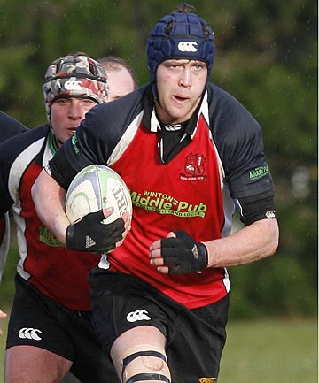 GOOD OLD DAYS: Blair Vining playing for Midlands against Blues in a Southland premier club game at the Les George Oval in 2008.