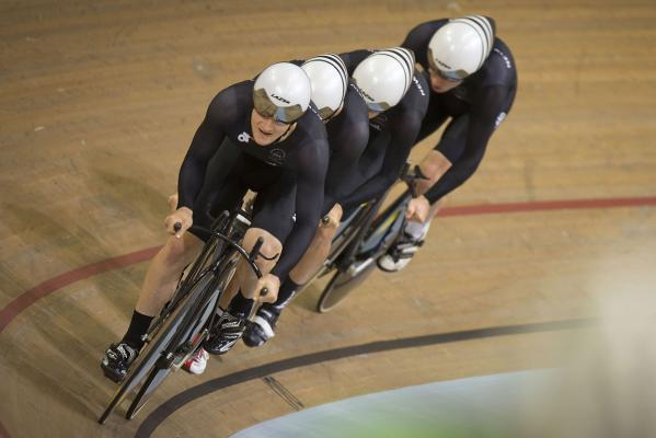 track cycling team