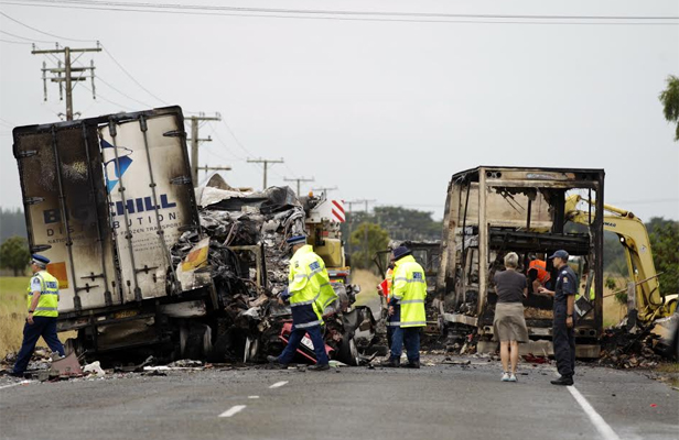 SH1 fatal crash on SH1 between Sanson and Foxton