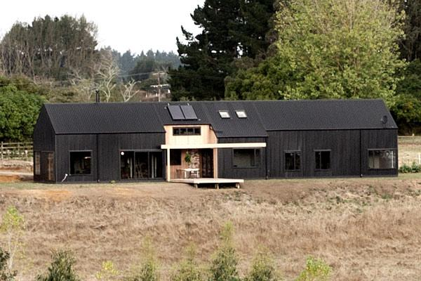 Modern barn wins top nz design award for Modern barn homes
