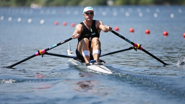 New Zealand's top rowing coach Tonks threatens to defect to China