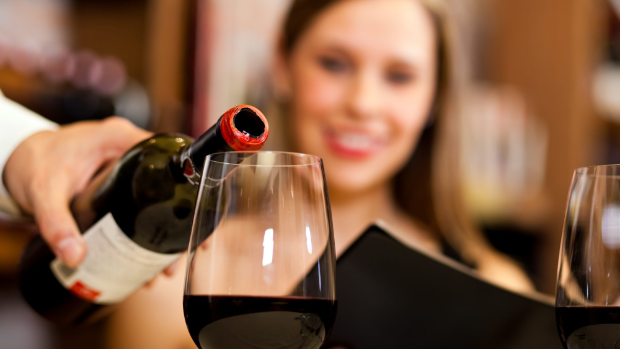 Moderate drinking linked to brain changes