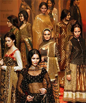 Indian Fashion High On Hype But Buyers Missing Stuff Co Nz