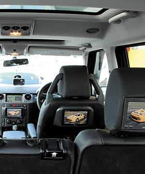 Range Rover Sport >> TVs in cars | Stuff.co.nz