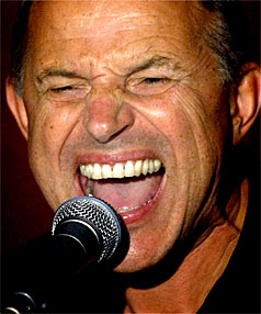 ICON: Kiwi music icon Chris Knox, pictured here singing in 2008.