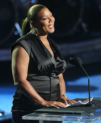 Singer Queen Latifah speaks during the memorial services for pop star Michael Jackson in Los Angeles