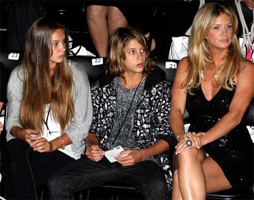 Rachel Hunter with her children Renee, left and Liam at the Yvonne Bennetti show at NZ fashion Week in 2007.