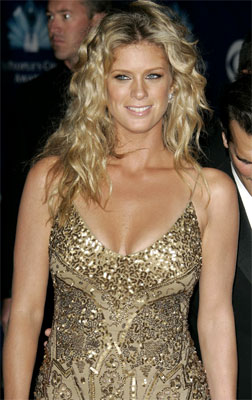Rachel Hunter arrives at the 32nd annual People's Choice Awards in Los Angeles in 2006.