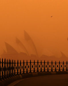 Sydney Opera House shrouded in dust, which may be heading for New Zealand