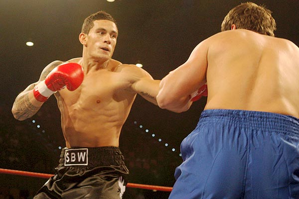 Code-switching rugby player Sonny Bill Williams made his professional boxing debut with a second round knockout over Garry ''The Baboon