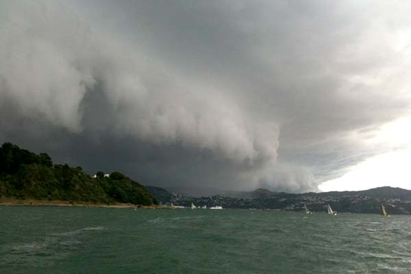 Southerly front hits Wellington