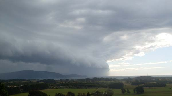 Storm front into kapiti