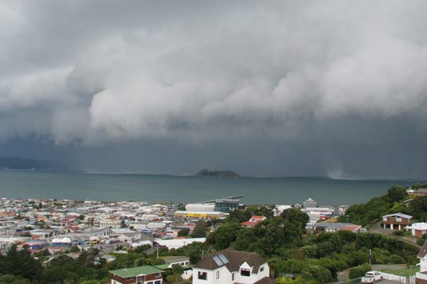 Storm front into Wellington