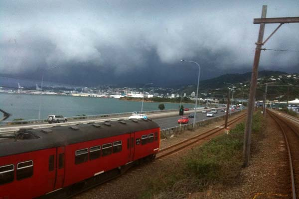 Storm front comes into Wellington