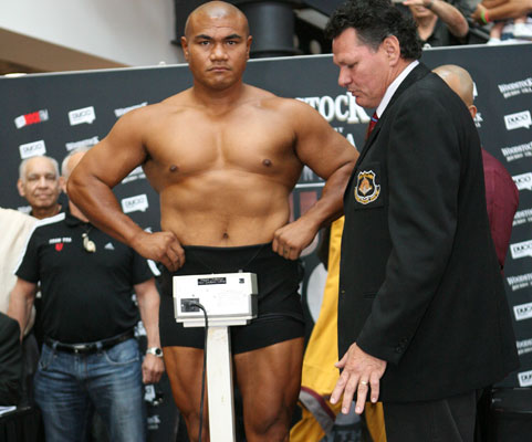 David Tua v Friday Ahunanya