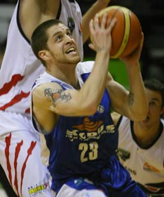 Saints guard Eric Devendorf