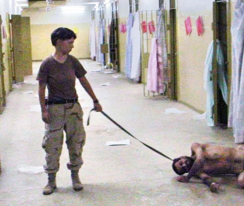 US soldiers in Iraq - Lynndie England