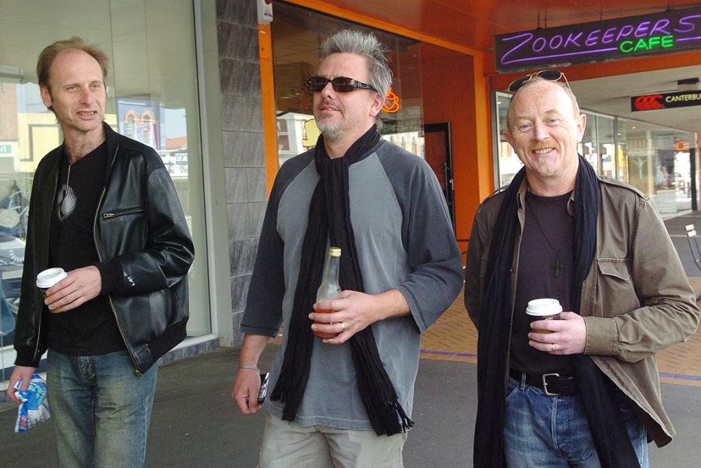 THREE'S A CROWD: Les White, Ian Morris, and Dave Dobbyn in Southland during Th'Dudes 2006 reunion tour.