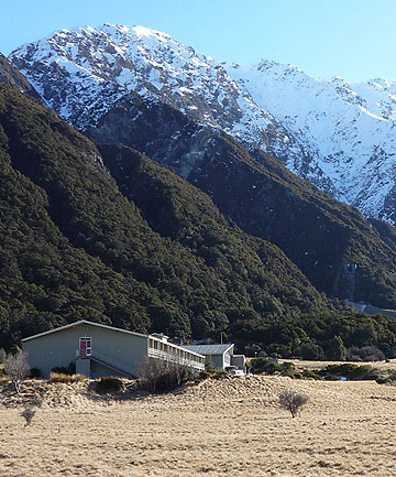 Mt Cook Backpacker Lodge