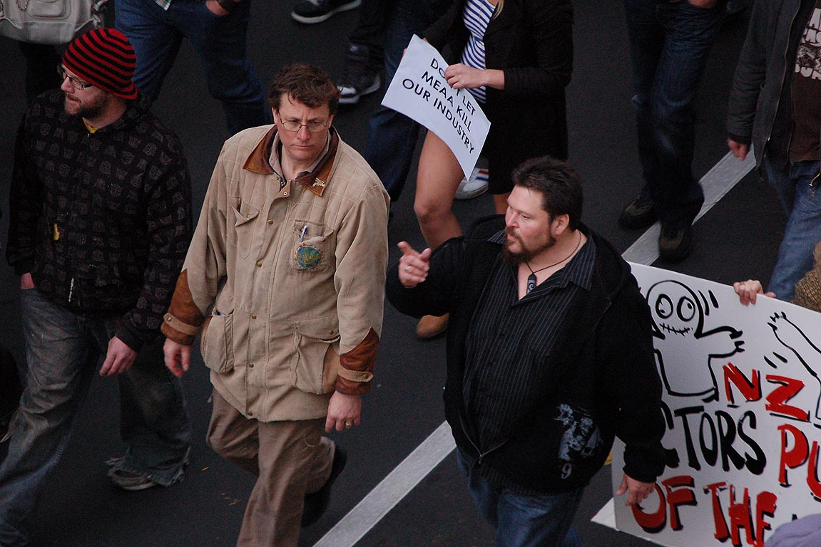 Film workers march in Wellington to plead with actors to abandon a boycott of The Hobbit.