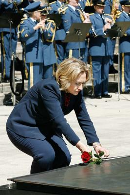 Hillary Clinton  at the National War Memorial