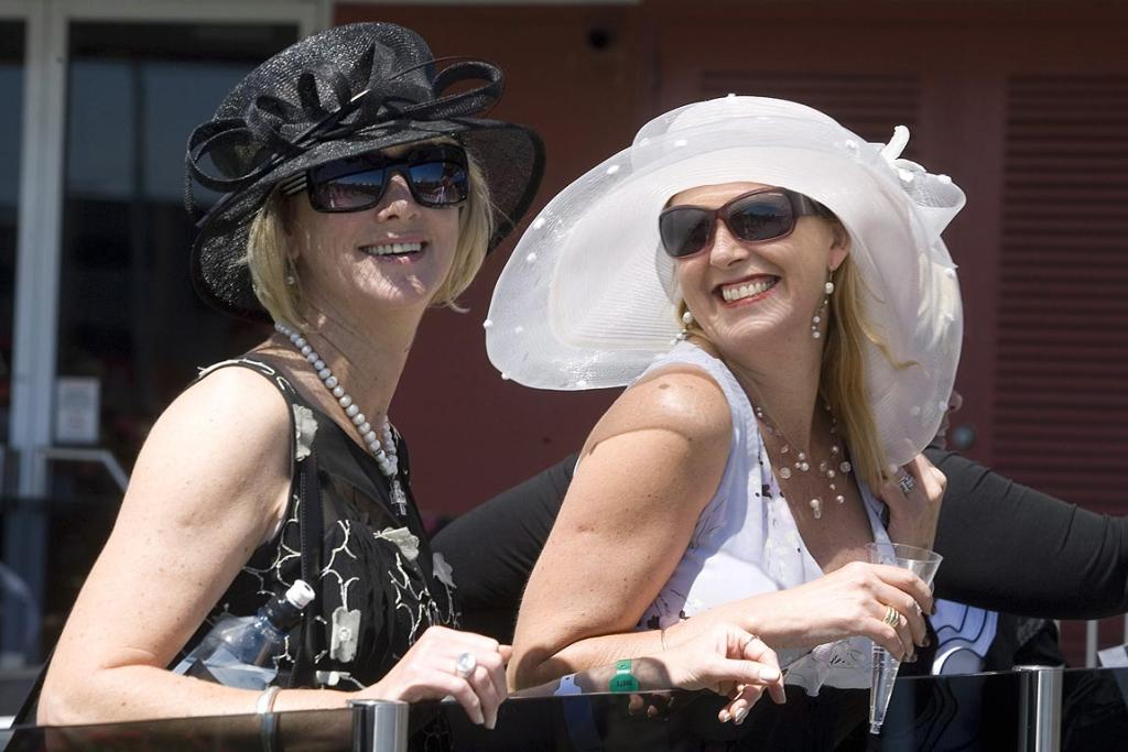 Diana and Bernadette Fahey enjoy the sunshine at the NZ Trotting Cup.