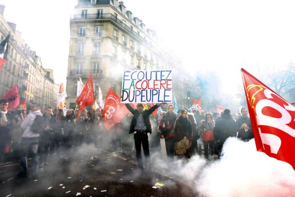 Reuters Images of the Year, photo of french protest.