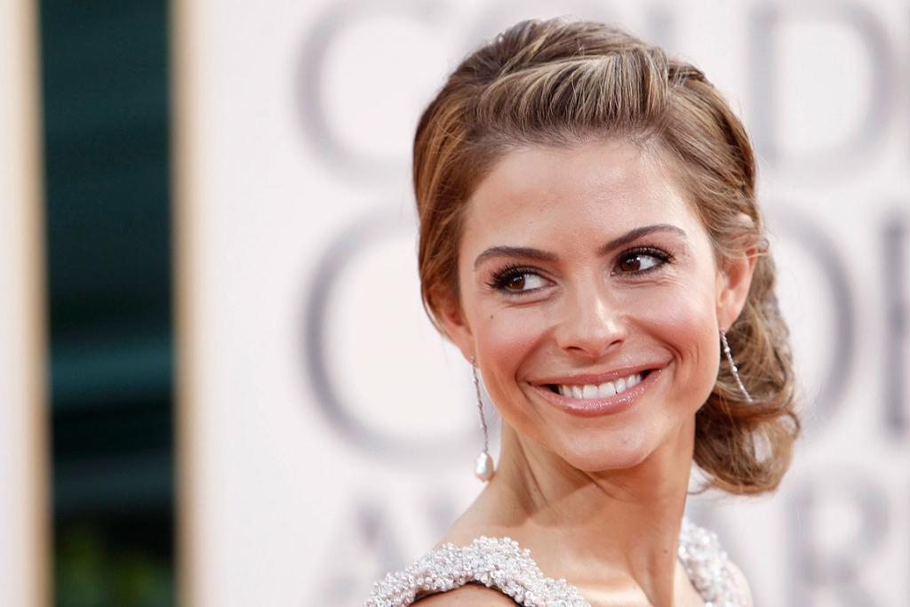 TURN AND SMILE: Actress Maria Menounos arrives at the 68th annual Golden Globe Awards in Beverly Hills.