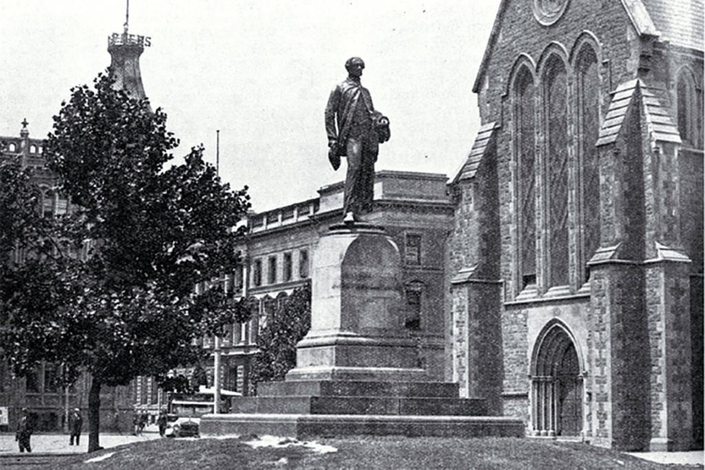 statue of John Robert Godley