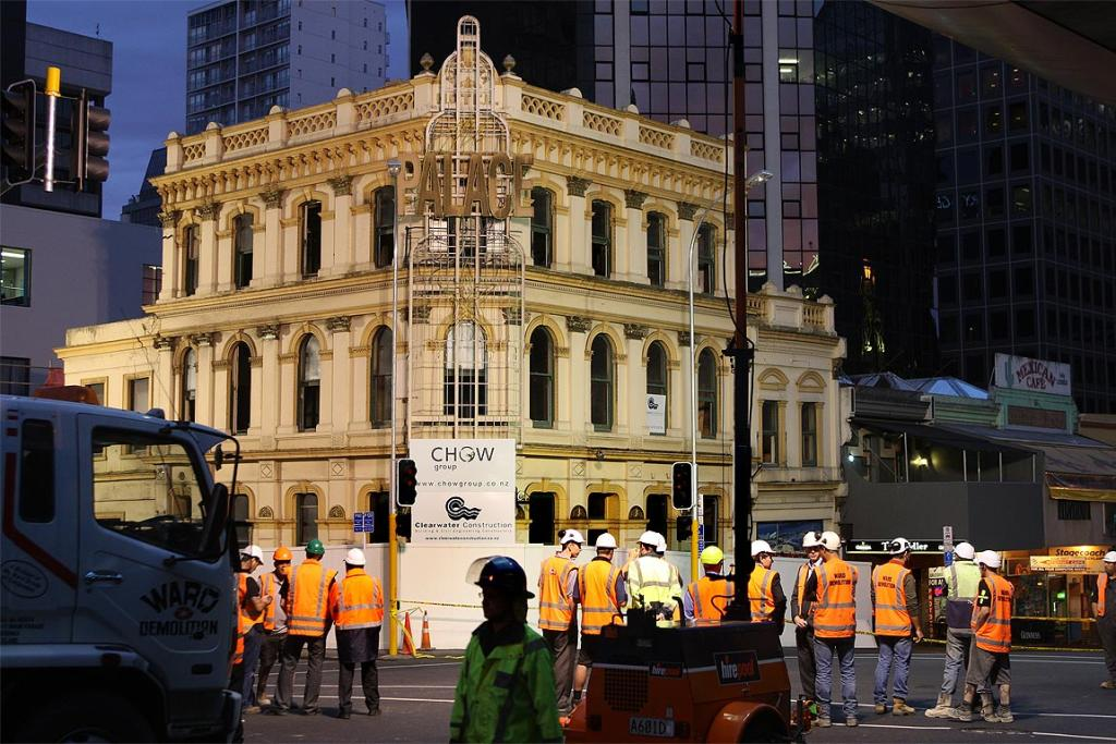 Historic Auckland building the Palace Hotel was demolished overnight.