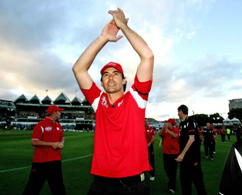 Former Black Caps skipper and Fill the Basin for Christchurch organiser Stephen Fleming acknowledges the sell-out crowd.