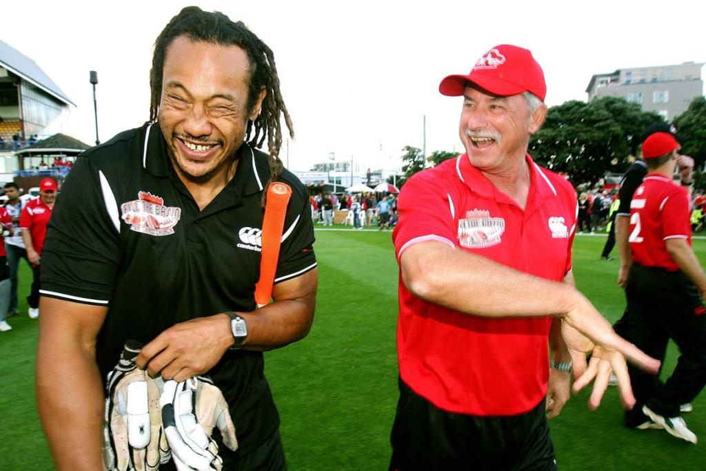 Former All Black and current Chief Tana Umaga shares a laugh with Sir Richard Hadlee.