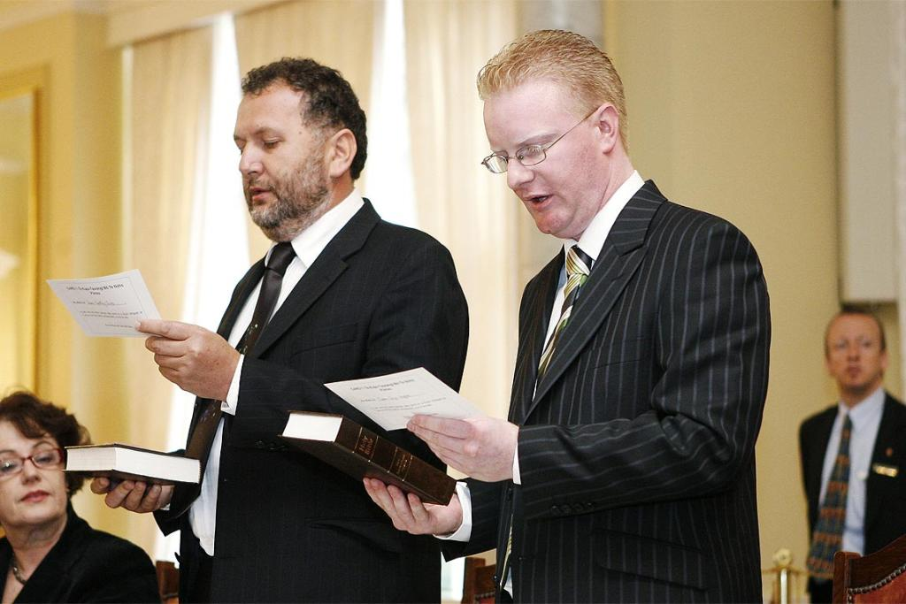 Darren Hughes with Shane Jones, being sworn in as new ministers at Government House in 2007.