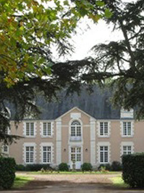 WHERE HE LAYS HIS HAT: Alan Duff listed Chateau de la Doree as his address.