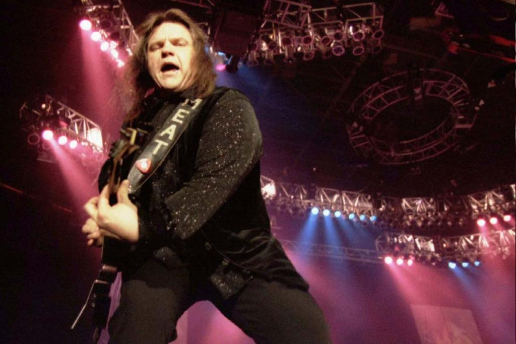 GLAM ROCK: U.S. rock star Meat Loaf performs in Zurich's Hallenstadion venue late May 24, 1996 as part of his European tour.