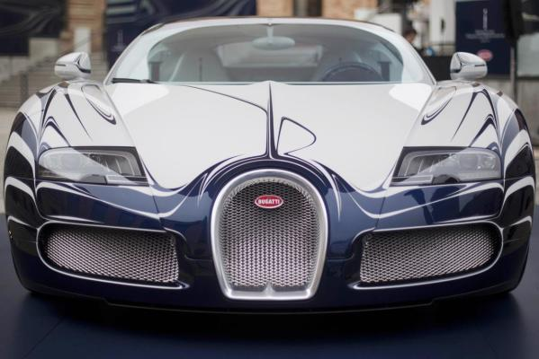 A unique version of a Bugatti Veyron Grand Sport L'Or Blanc.