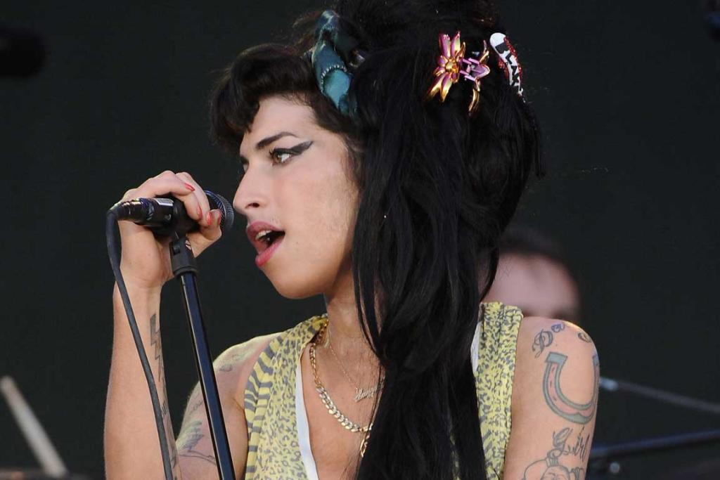 Amy Winehouse performs on stage during Rock in Rio Day 3 on July 04, 2008 near Madrid.