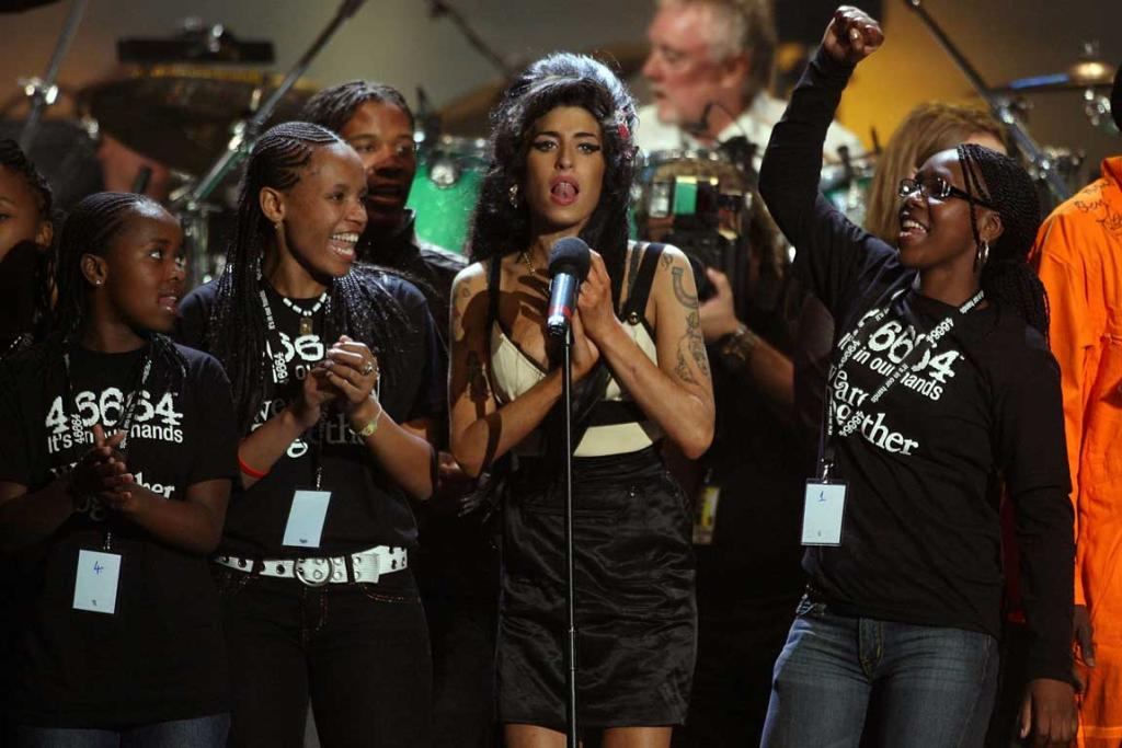Amy Winehouse performs during the 46664 concert in celebration of Nelson Mandela's life at Hyde Park on June 27, 2008.