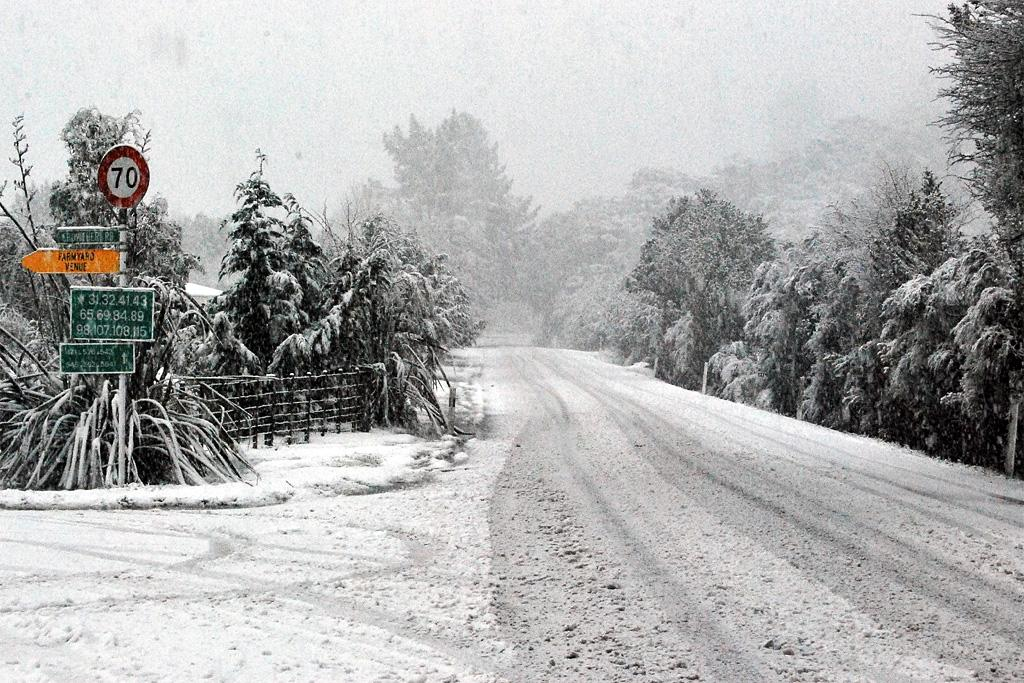 Moores Valley Rd covered with snow.