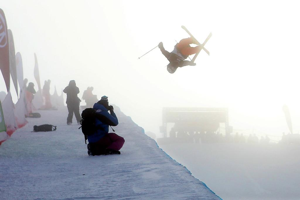 Jossi Wells of Wanaka skis in the near whiteout conditions.