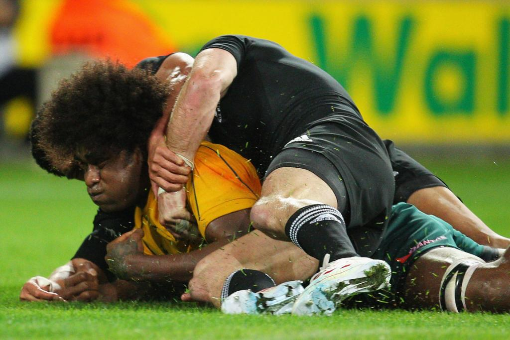 Wallabies No 8 Radike Samo scores a famous first half try against the All Blacks.