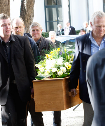 Tributes paid to commentator graeme moody stuff farewell the funeral for graeme moody was held at old st pauls cathedral in wellington solutioingenieria Choice Image